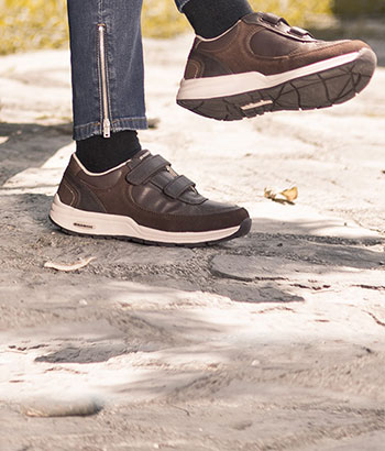 walkmaxx-adaptive-shoes-woman-short